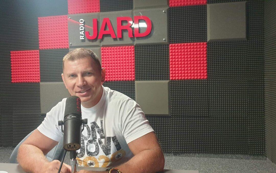 M. Siegieńczuk: Do ponownego nagrania tej piosenki, w nieco zmodyfikowanej wersji, namówili mnie fani – to była przede wszystkim ich inicjatywa